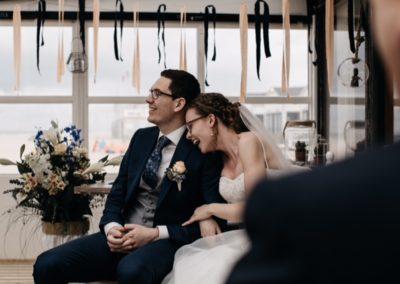 Babs Anke Minnee laat bruidspaar lachen